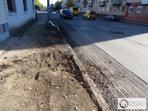Житомирські комунальники взялися за ремонт вулиці Московської +ФОТО