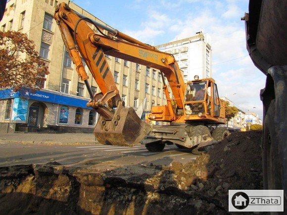 У центрі Житомира провалилась земля +ФОТО
