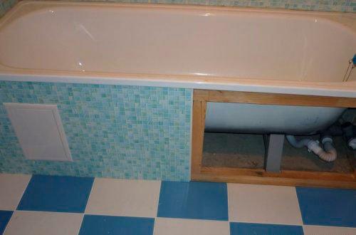 Как закрыть пространство под ванной