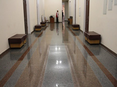 На гранітну підлогу у Житомирській міськраді витратили 589 тисяч гривень  +ФОТО