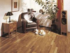 Як захистити дерев'яну підлогу