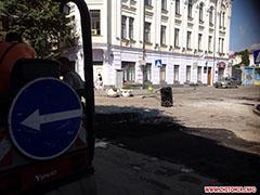 На Михайлівській у Житомирі завершили міняти труби і вже асфальтують дорогу