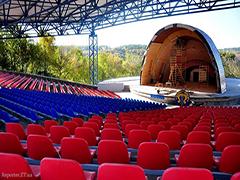 У Житомирі завершується реконструкція літньої естради «Ракушки». ФОТО
