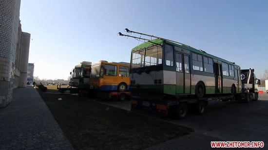 В Житомир з Чехії приїхали перші тролейбуси Skoda. ФОТО