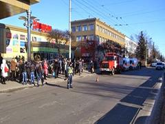 У Житомирі «замінували» ТРЦ Глобал: евакуювали людей і перекрили вулицю. ФОТО