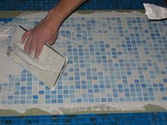 Як укладати мозаїчну плитку?