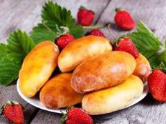 Пиріжки з полуницею