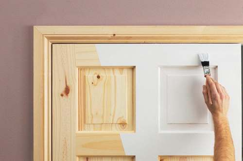Як пофарбувати дерев'яні двері?