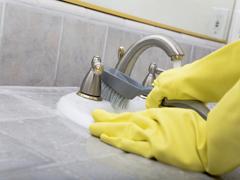 Як почистити ванну в домашніх умовах.