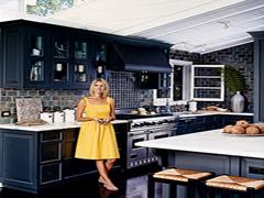 Чорний колір в інтер'єрі кухні