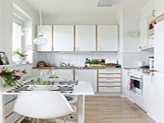 Як зробити ремонт маленької кухні?